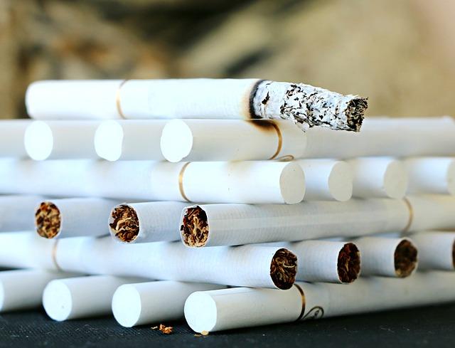 stavba z cigaret
